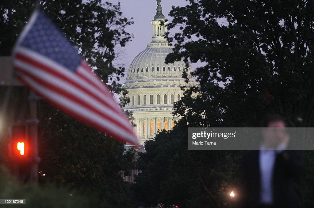 The U.S. Capitol building is seen on July 31, 2011 in Washington, DC. U.S. President Barack Obama announced that congressional leaders had reached a tentative agreement to extend the federal debt limit while enacting spending cuts.