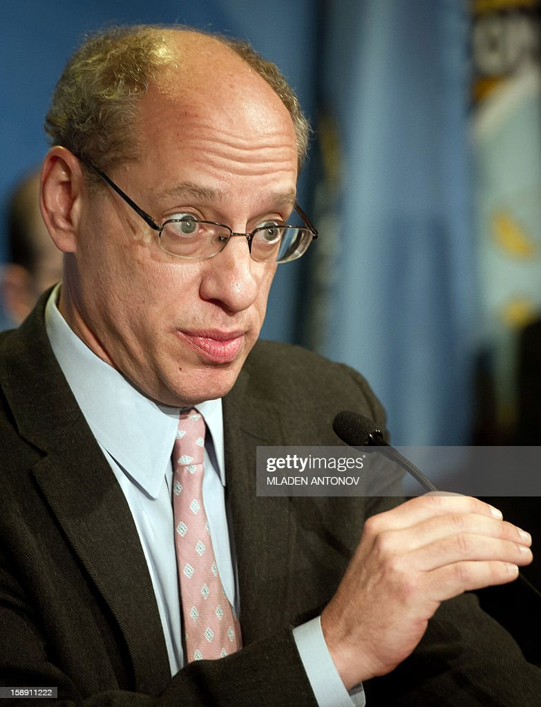 The US Federal Trade Commission Chairman Jon Leibowitz speaks at a press conference in Washington, DC on January 03, 2013. Jon Leibowitz made an announcement concerning the investigation of Google, one of the largest technology companies in the world, for alleged anticompetitive conduct. AFP PHOTO/MLADEN ANTONOV