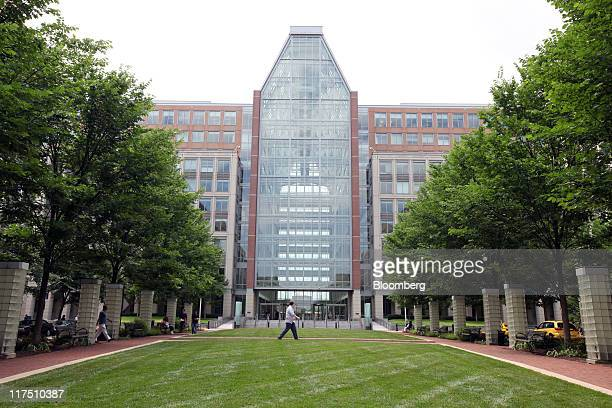 The US Patent and Trademark Office stands in Alexandria Virginia US on Friday June 17 2011 The US Patent and Trademark Office would be able to set...