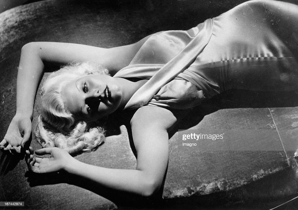 The US-american actress Jean Harlow. 1933. Photograph. (Photo by Imagno/Getty Images) Die US-amerikanische Schauspielerin Jean Harlow. 1933. Photographie.