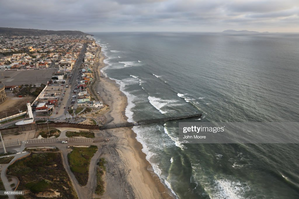 Photos Et Images De Aerial Views Of US Mexico Border Getty - Aerial maps over mexican us border