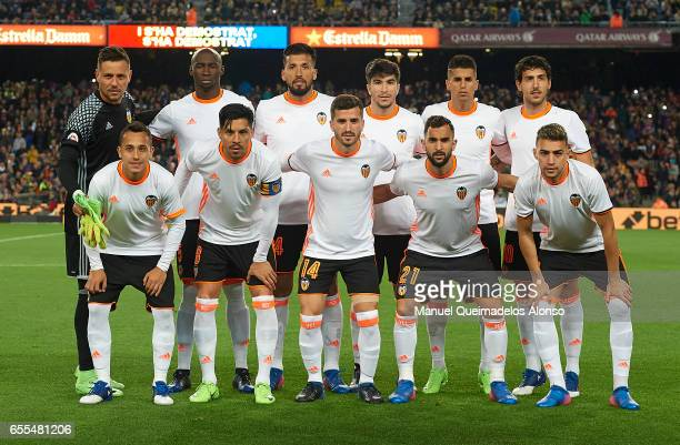 The Valencia team line up for a photo prior to kick off during the La Liga match between FC Barcelona and Valencia CF at Camp Nou Stadium on March 19...