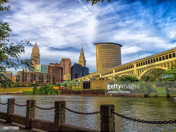 CONTENT] The Veteran's Memorial Bridge with the downtown Cleveland Skyline in the background