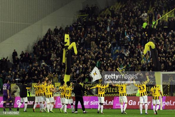 The Vitesse players thanks the fans after victory in the Eredivisie match between Vitesse Arnhem and SC Heracles Almelo at Gelredome on March 16 2012...
