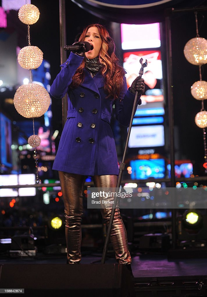 The Voice winner Cassadee Pope performs on the NIVEA Kiss Stage in Times Square on New Year's Eve 2013 at Times Square on December 31, 2012 in New York City.