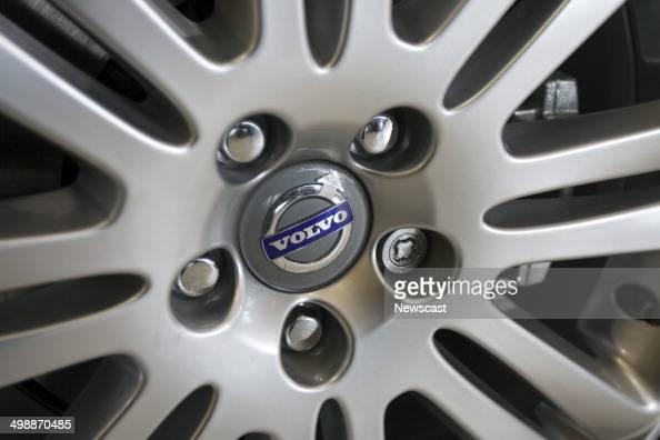 THe VOLVO emblem on a wheel rim