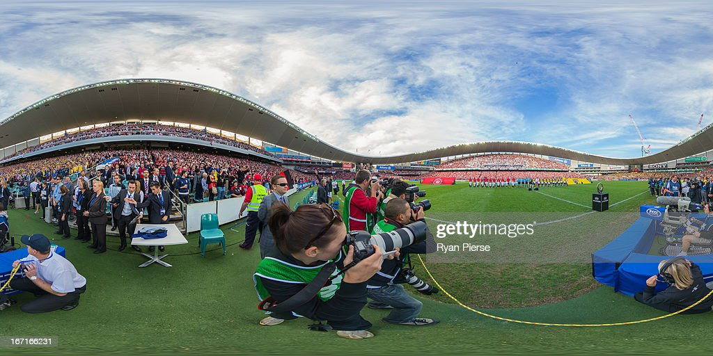 The Wanderers and the Mariners sing the Australian national anthem during the A-League 2013 Grand Final match between the Western Sydney Wanderers and the Central Coast Mariners at Allianz Stadium on April 21, 2013 in Sydney, Australia.