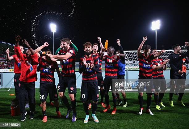 The Wanderers celebrate after the Asian Champions League semi final leg 2 match between the Western Sydney Wanderers and FC Seoul at Pirtek Stadium...