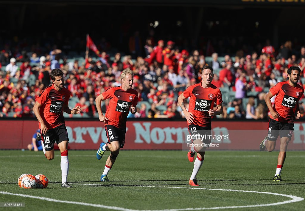 The Wanderers warm up prior to the 2015/16 A-League Grand Final match between Adelaide United and the Western Sydney Wanderers at Adelaide Oval on May 1, 2016 in Adelaide, Australia.