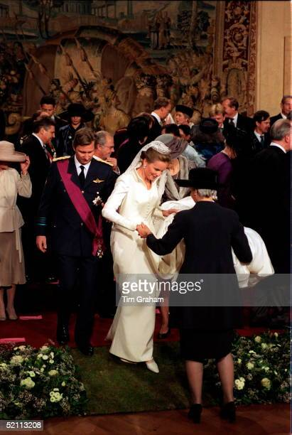 The Wedding Of The Crown Prince Of Belgium The Bride Miss Mathilde D'udekem D'acoz Gets A Helping Hand