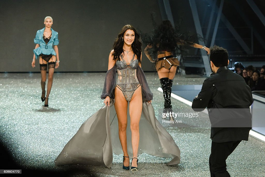 the-weeknd-and-bella-hadid-walk-the-runway-at-2016-victorias-secret-picture-id626924770