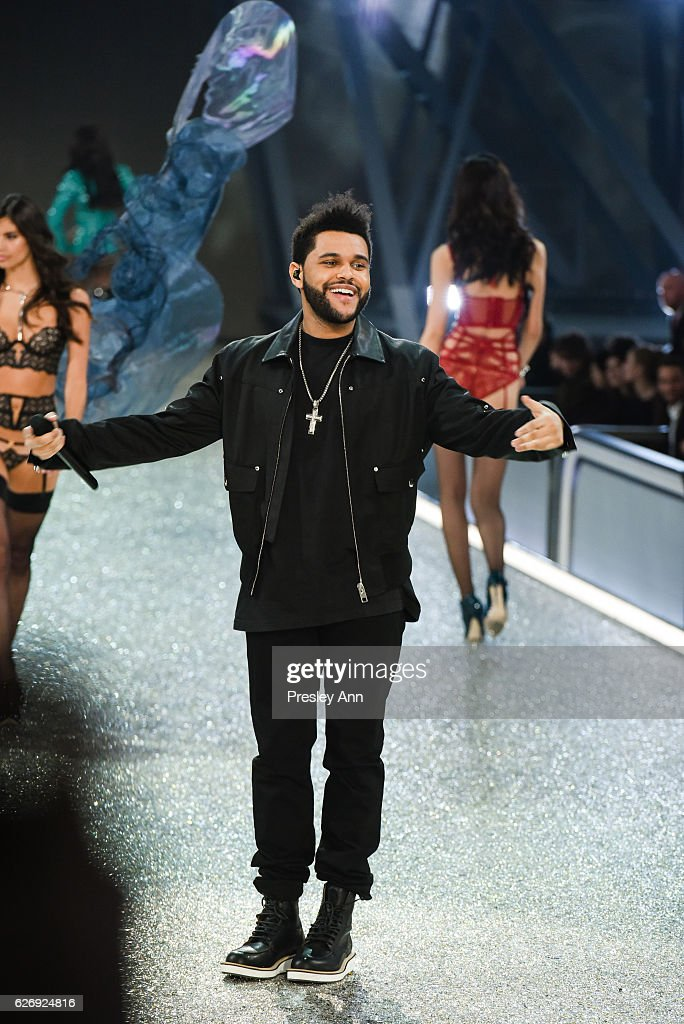 the-weeknd-performs-on-the-runway-at-2016-victorias-secret-fashion-picture-id626924816