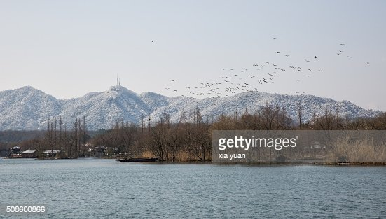 The West Lake against snow-covered hills,Hangzhou,China : Foto de stock