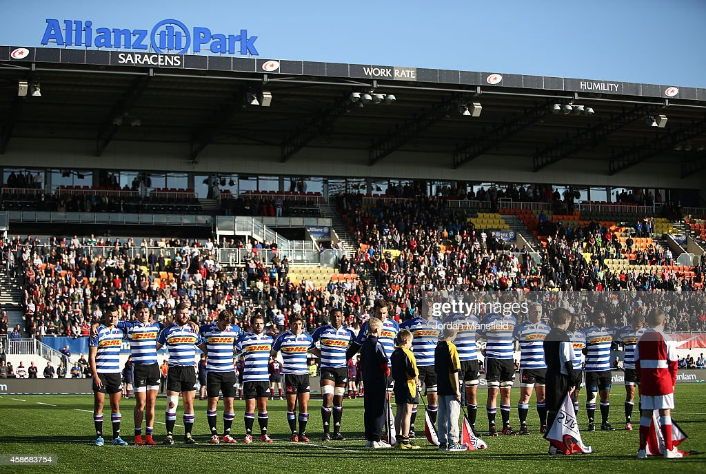 The Western Province team observe a minute's silence in aid of Remembrance Day ahead of the match between Saracens and DHL Western Province at...