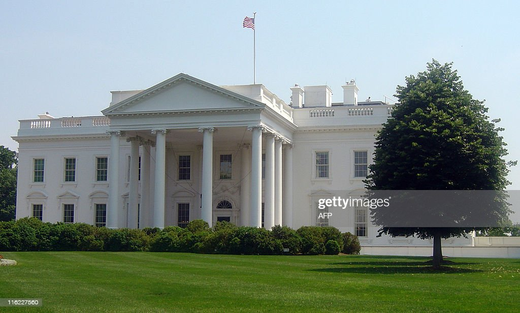 The White House is seen during the heat wave that hit Washington, DC, on May 26, 2011. The temperature reached 31 degrees Celsius (87.8 Fahrenheit). AFP PHOTO/El KEBIR LAMRANI