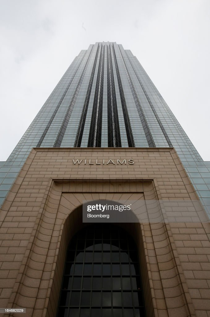 The Williams Tower stands in Houston, Texas, U.S., on Monday, March 18, 2013.Office sales in Houston, the fourth-largest U.S. city, jumped 32 percent last year to $3.89 billion, the highest total in five years and outpacing the 21 percent gain for the entire U.S., according to the research firm Real Capital Analytics. Photographer: Aaron M. Sprecher/Bloomberg via Getty Images
