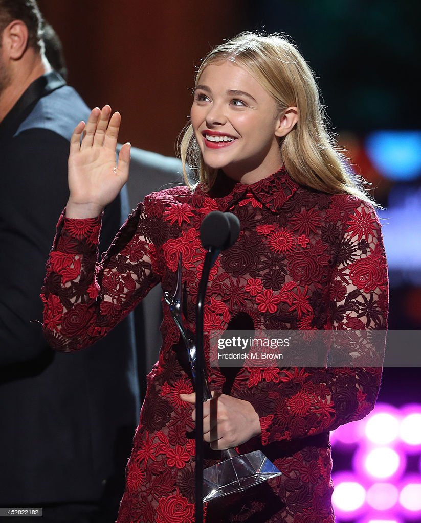 The winner of Fan Favorite Female Award Chloë Grace Moretz speaks onstage at the 2014 Young Hollywood Awards brought to you by Samsung Galaxy at The Wiltern on July 27, 2014 in Los Angeles, California. The Young Hollywood Awards will air on Monday, July 28 8/7c on The CW.
