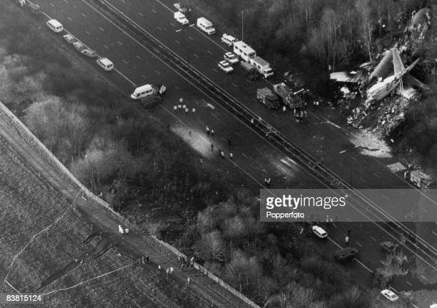 The wreckage of a Boeing 737 lies by the side of the M1 outside Kegworth in Leicestershire 8th January 1989 Fortyseven people died and many more were...