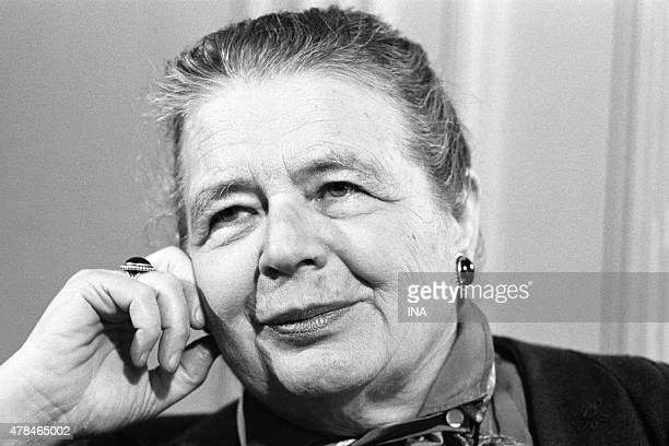The writer Marguerite Yourcenar in the program Library of pocket