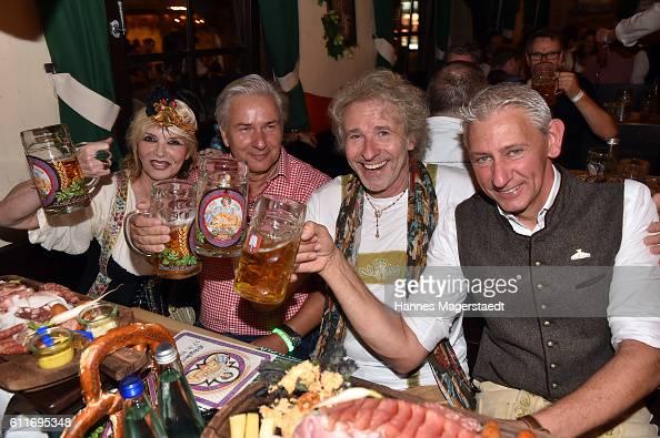 Thea Gottschalk Klaus Wowereit Thomas Gottschalk and Siegfried Able attend the 'Thomas and friends Wiesn' at the Marstall Festzelt during the...