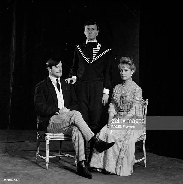 Theater 'Victor Ou Les Enfants Au Pouvoir' A Play By Roger Vitrac Octobre 1962 au théâtre de l'Ambigu à paris 'VICTOR OU LES ENFANTS AU POUVOIR' une...