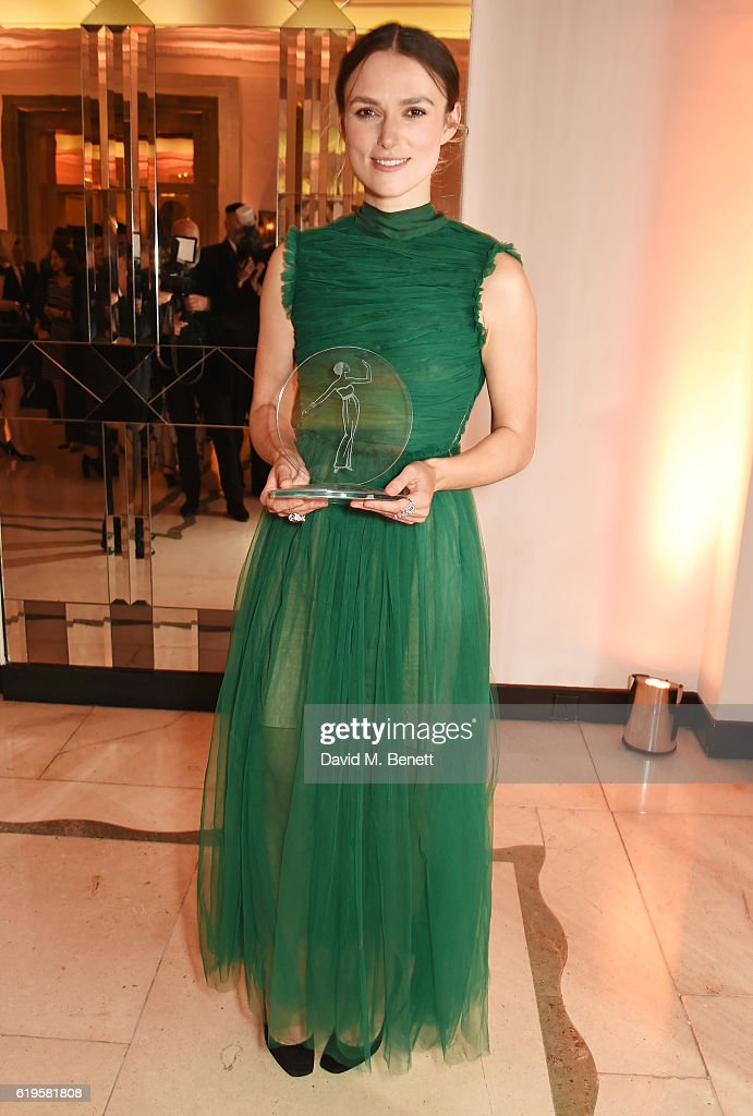 Theatre Icon award winner Keira Knightley attends the Harper's Bazaar Women of the Year Awards 2016 at Claridge's Hotel on October 31, 2016 in London, England.