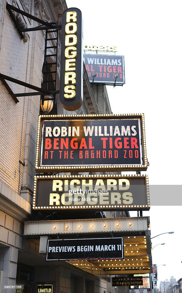 Theatre Marquee unveiling for Robin Williams starring in 'Bengal Tiger at the Baghdad Zoo' at the Richard Rogers Theatre in New York City