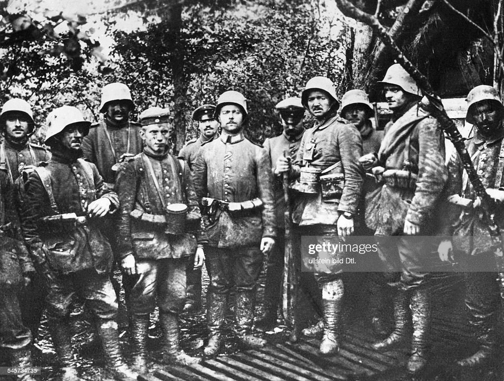 1WW Theatre of war western front 1916 Verdun Fightings in the forfield of Fort Souville June 1916A group of german soldiers buried by french...