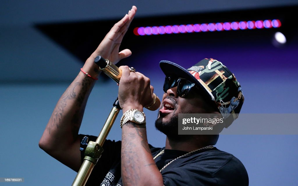 The-Dream performs at Meet the Musician at Apple Store Soho on June 1, 2013 in New York City.