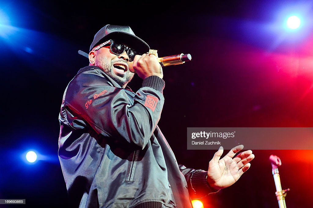 The-Dream performs during the Kelly Rowland and The Dream 'Lights Out' tour at the Best Buy Theater on May 30, 2013 in New York City.