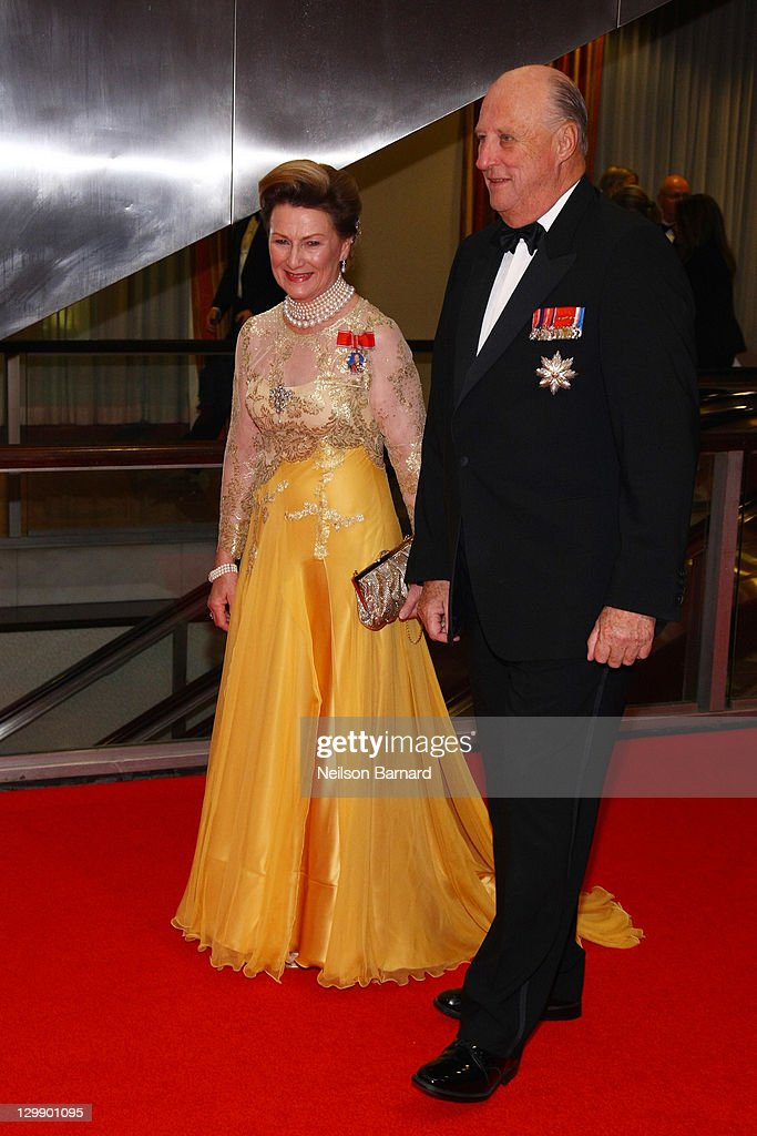 Their Majesties Queen Sonja of Norway (L) and King Harald V of Norway attend the American Scandinavian Foundation's Centennial Ball at The Hilton Hotel on October 21, 2011 in New York City.