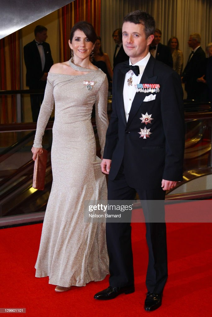 Their Royal Highnesses <a gi-track='captionPersonalityLinkClicked' href=/galleries/search?phrase=Crown+Princess+Mary+of+Denmark&family=editorial&specificpeople=158374 ng-click='$event.stopPropagation()'>Crown Princess Mary of Denmark</a> (L) and Crown <a gi-track='captionPersonalityLinkClicked' href=/galleries/search?phrase=Prince+Frederik+of+Denmark&family=editorial&specificpeople=171286 ng-click='$event.stopPropagation()'>Prince Frederik of Denmark</a> attend the American Scandinavian Foundation's Centennial Ball at The Hilton Hotel on October 21, 2011 in New York City.