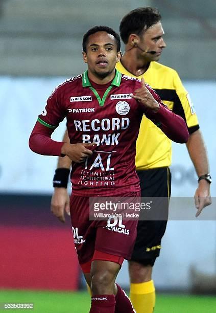 Theo Bongonda of SV Zulte Waregem scores during the Jupiler Pro League match between Zulte Waregem and Krc Genk in Waregem Belgium