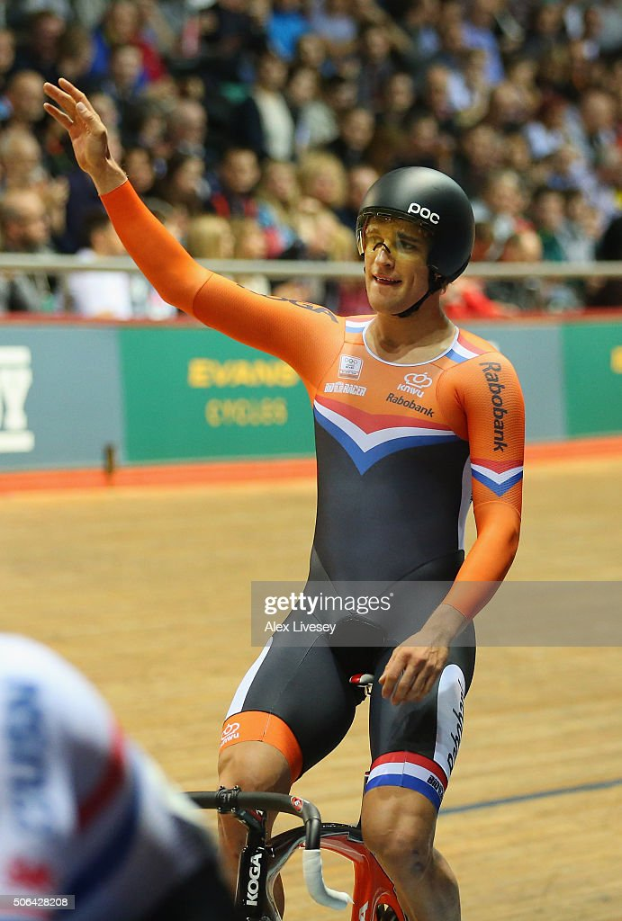 <a gi-track='captionPersonalityLinkClicked' href=/galleries/search?phrase=Theo+Bos+-+Cyclist&family=editorial&specificpeople=15369892 ng-click='$event.stopPropagation()'>Theo Bos</a> of Netherlands celebrates after beating Lewis Oliva of Team USN and Great Britain to win the UCI Sprint Final during Round 6 of the Revolution Series at National Cycling Centre on January 23, 2016 in Manchester, England.