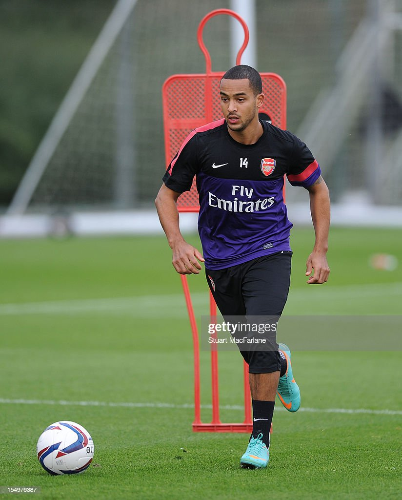 <a gi-track='captionPersonalityLinkClicked' href=/galleries/search?phrase=Theo+Walcott&family=editorial&specificpeople=451535 ng-click='$event.stopPropagation()'>Theo Walcott</a> of Arsenal during a training session at London Colney on October 29, 2012 in St Albans, England.