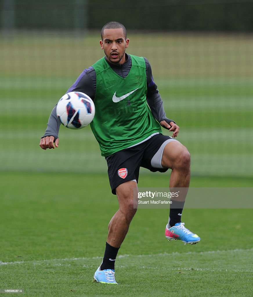 <a gi-track='captionPersonalityLinkClicked' href=/galleries/search?phrase=Theo+Walcott&family=editorial&specificpeople=451535 ng-click='$event.stopPropagation()'>Theo Walcott</a> of Arsenal during a training session at London Colney on April 19, 2013 in St Albans, England.
