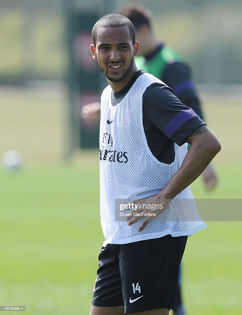 <a gi-track='captionPersonalityLinkClicked' href=/galleries/search?phrase=Theo+Walcott&family=editorial&specificpeople=451535 ng-click='$event.stopPropagation()'>Theo Walcott</a> of Arsenal during a training session at London Colney on April 26, 2013 in St Albans, England.