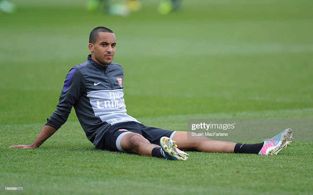 <a gi-track='captionPersonalityLinkClicked' href=/galleries/search?phrase=Theo+Walcott&family=editorial&specificpeople=451535 ng-click='$event.stopPropagation()'>Theo Walcott</a> of Arsenal takes part in a training session at London Colney on May 18, 2013 in St Albans, England.