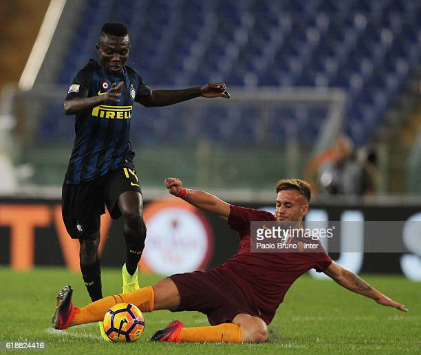 Theophilus Awua of FC Internazionale competes for the ball with Alessandro Bordin of AS Roma during the Primavera Supercup final match between AS...