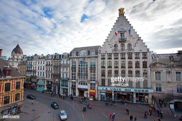 CONTENT] There are three female statues around the square They can be seen crowing the top of the Voix du La Nord newspaper building The statues were...