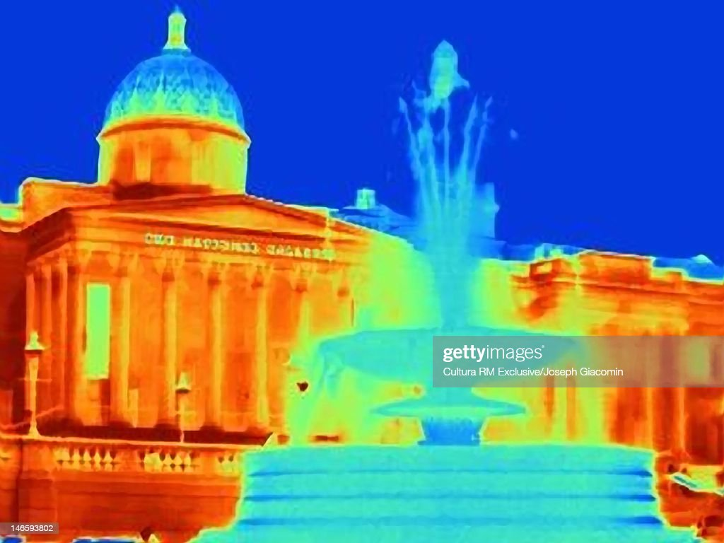 Thermal image of fountain in Trafalgar Square : Stock Photo