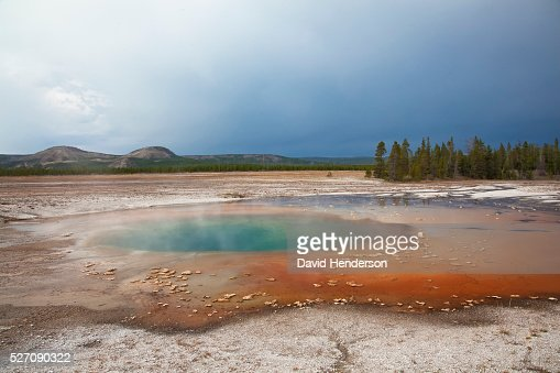 Thermal pool at Midway Geyser Basin, Wyoming, USA : Photo