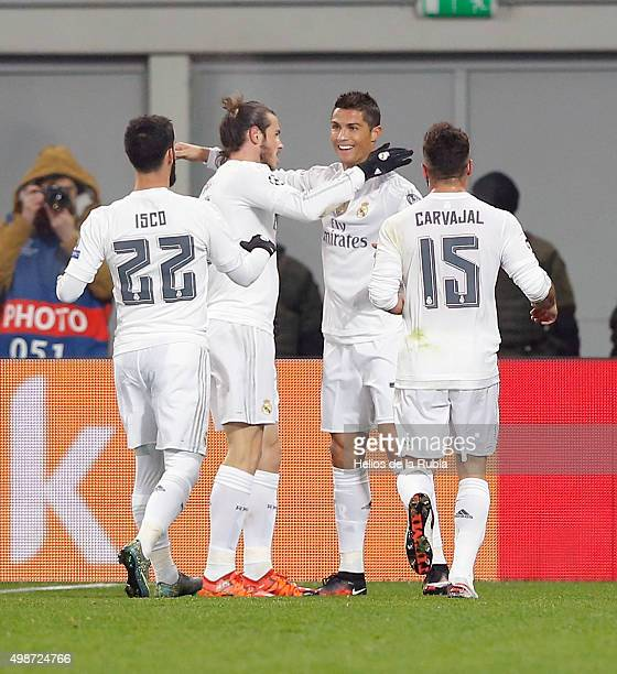 L'VIV UKRAINE NOVEMBER 25 Thew players of Real Madrid celebrate after scorinig during the UEFA Champions League Group A match between FC Shakhtar...