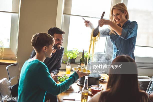 Les encantan los platos de pasta