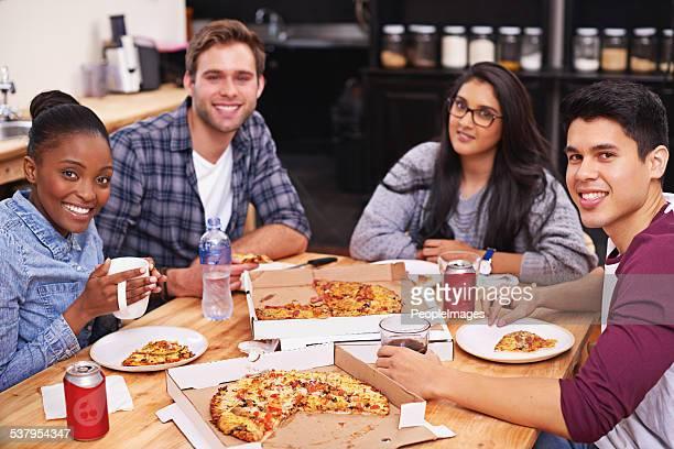 Sie lieben pizza