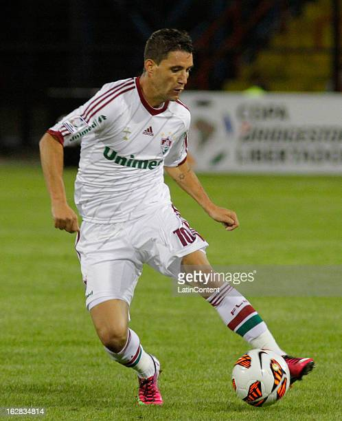 Thiago Neves of Fluminense runs with the ball with during a match between Fluminense and Huachipato as part of the Copa Bridgestone Libertadores 2013...