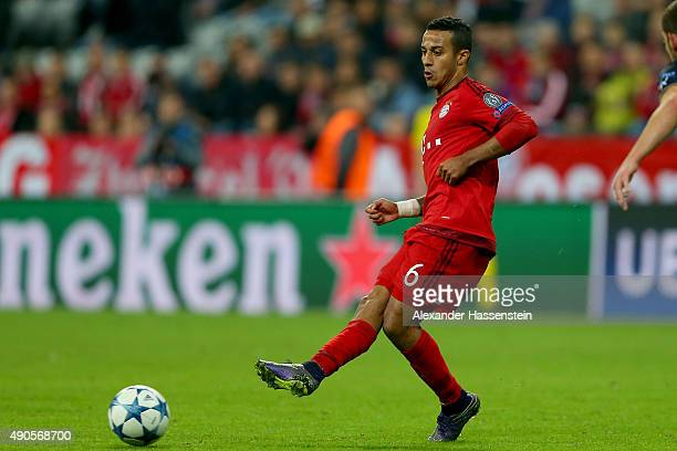 Thiago of Bayern Muenchen runs with the ball during the UEFA Champions League Group F match between FC Bayern Munchen and GNK Dinamo Zagreb at tthe...