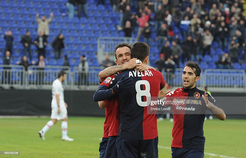 Thiago Ribeiro of Cagliari celebrates with teammates after scoring during the Serie A match between Cagliari Calcio and US Citta di Palermo at Stadio Sant'Elia on January 27, 2013 in Cagliari, Italy.