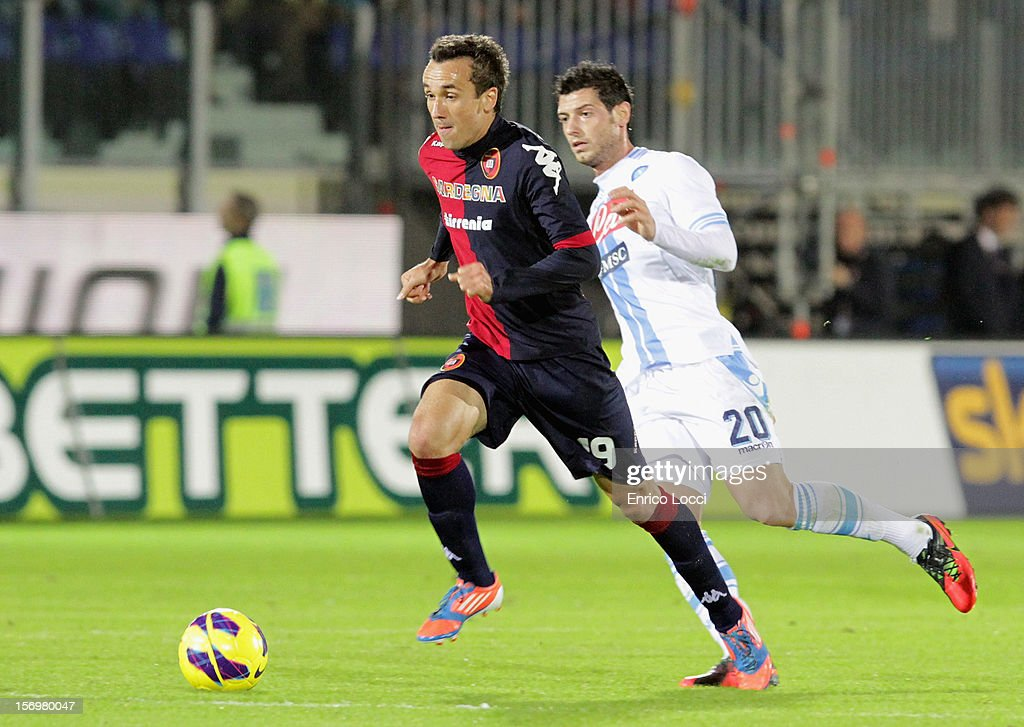 <a gi-track='captionPersonalityLinkClicked' href=/galleries/search?phrase=Thiago+Ribeiro&family=editorial&specificpeople=5668762 ng-click='$event.stopPropagation()'>Thiago Ribeiro</a> of Cagliari during the Serie A match between Cagliari Calcio and SSC Napoli at Stadio Sant'Elia on November 26, 2012 in Cagliari, Italy.