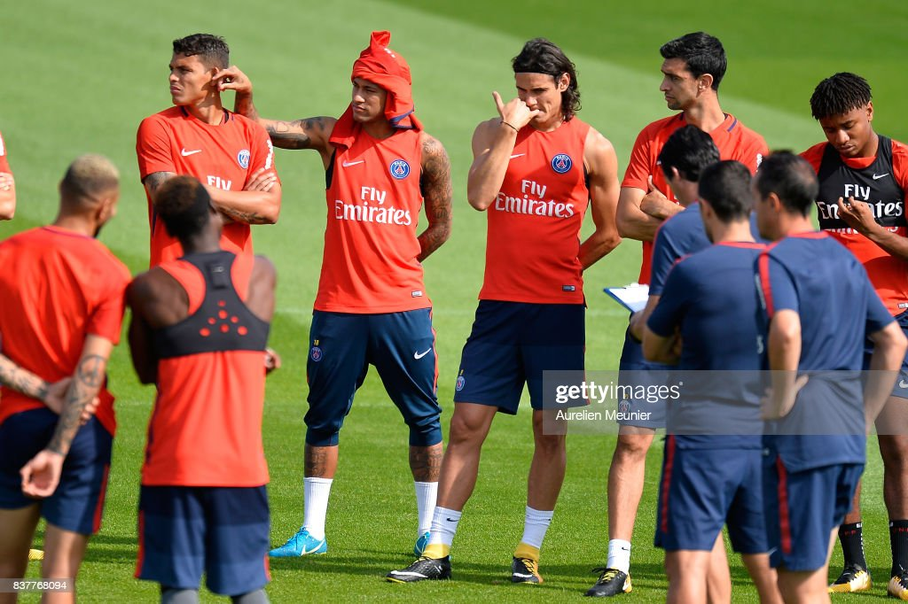 Paris Saint Germain - Training Session And Press